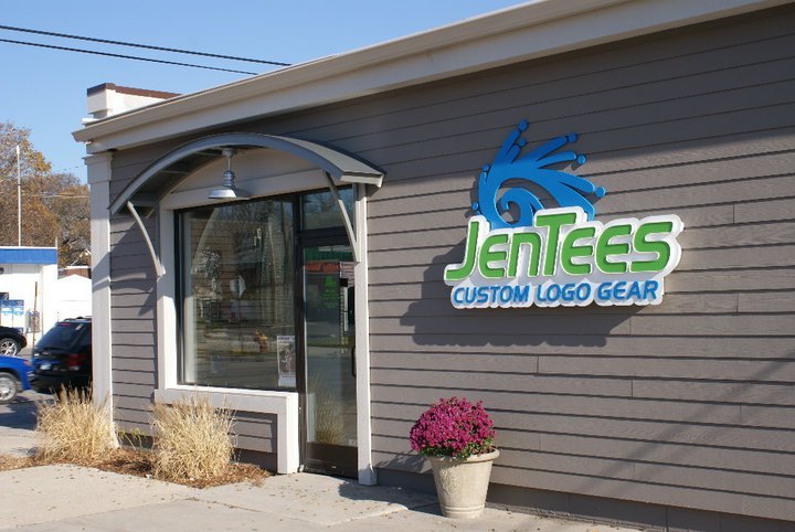 Exterior siding and trim painting at JenTees in Traverse City.