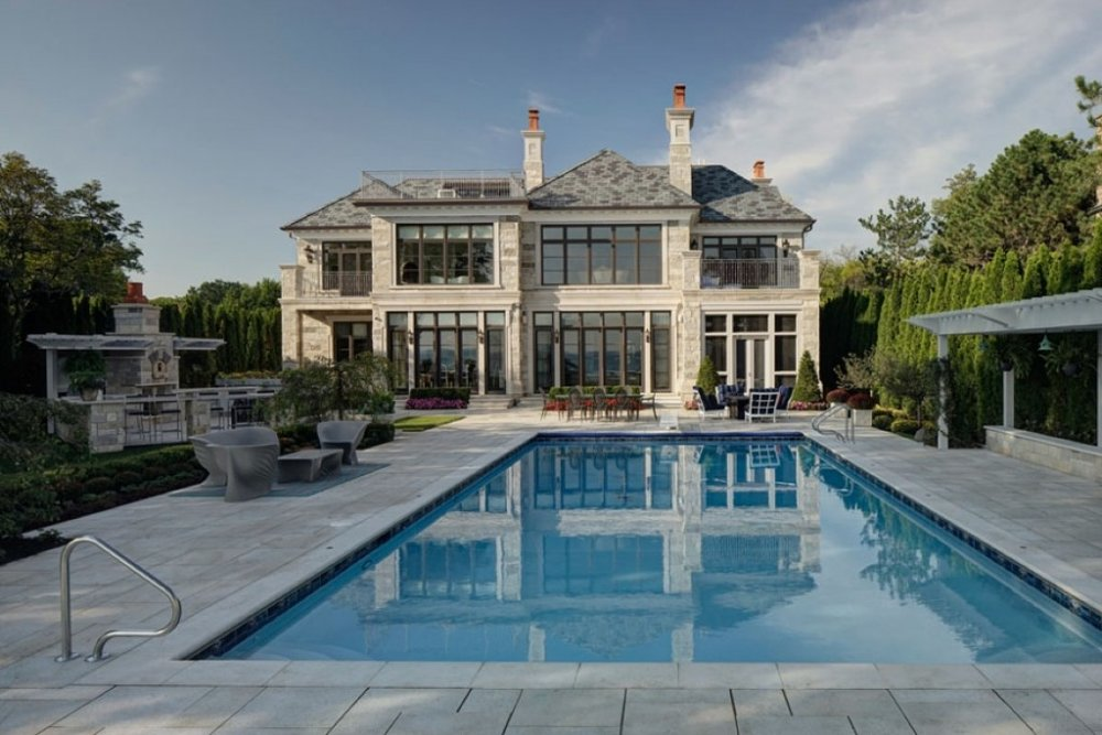 Lakefront-Luxury-4-1024x683.jpg
