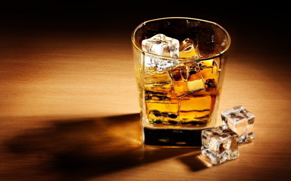 Chinese-Tourists-Spend-£50K-on-Whisky.jpg