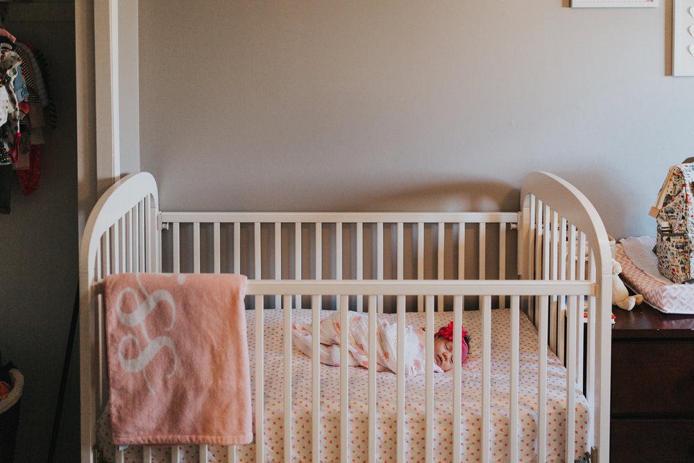 newborn-baby-familyphotoshoot-pink-love-inhome-documentary-medicinehat-alberta-29.jpg