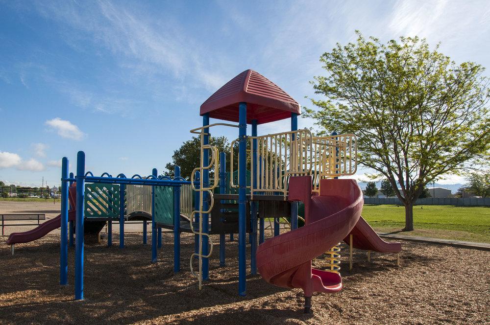 Maple Grove Elementary 170515_0502.jpg
