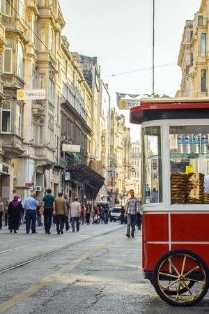 istanbul-taksim-istiklal-caddesi.jpg