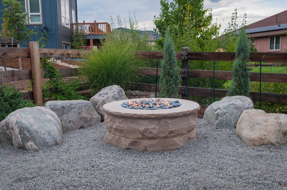 flagstone fire pit | stone fire pit | fire pit rocks | rock fire pit