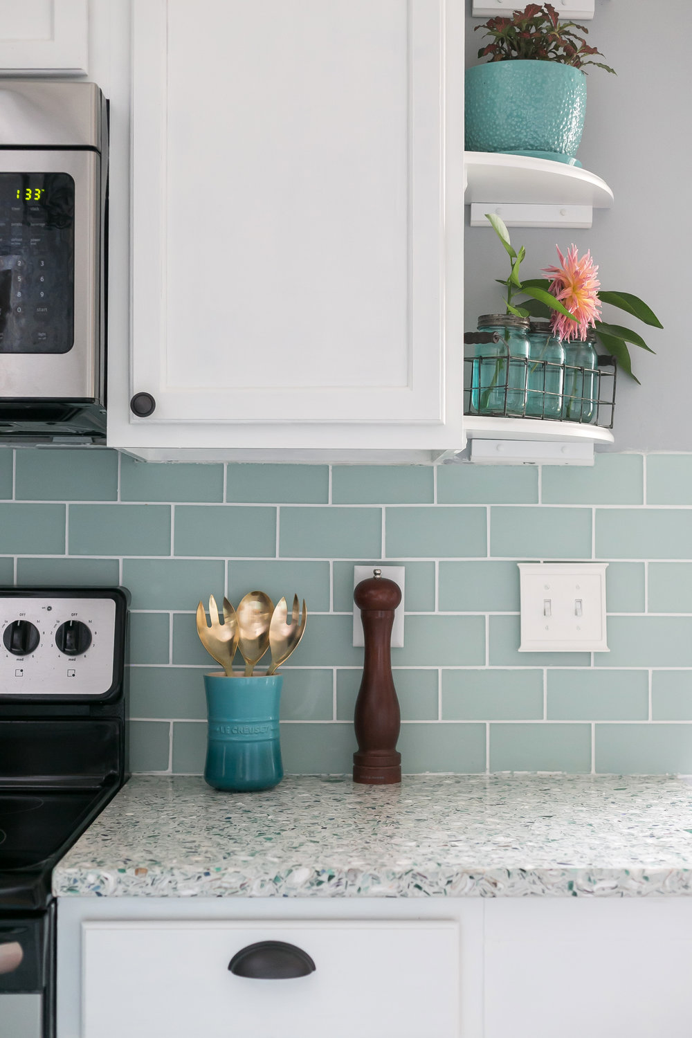 Coastal Kitchen by Charleston Crafted | GlassEco