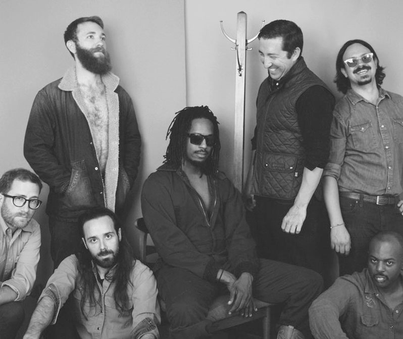 Sunday - BLACK JOE LEWIS& THE HONEYBEARS