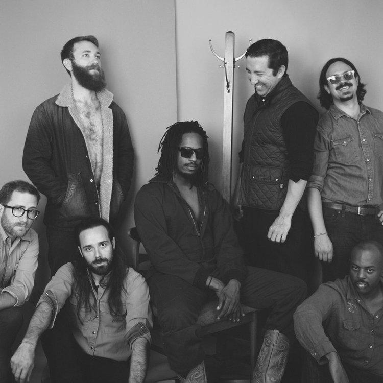 Black Joe Lewis and The Honeybears -
