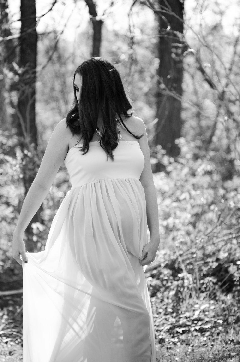sarah's maternity session | anne bertelson photography | plano, frisco, richardson, mckinney, dallas, allen maternity photographer | www.annebertelsonphotography.com |