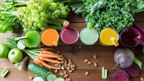 fresh raw juices, juice cleanse, fresh vegetables and fruit, vegan juicing