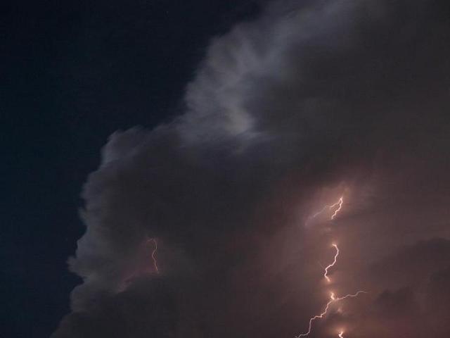 5-5-09-lightning-2