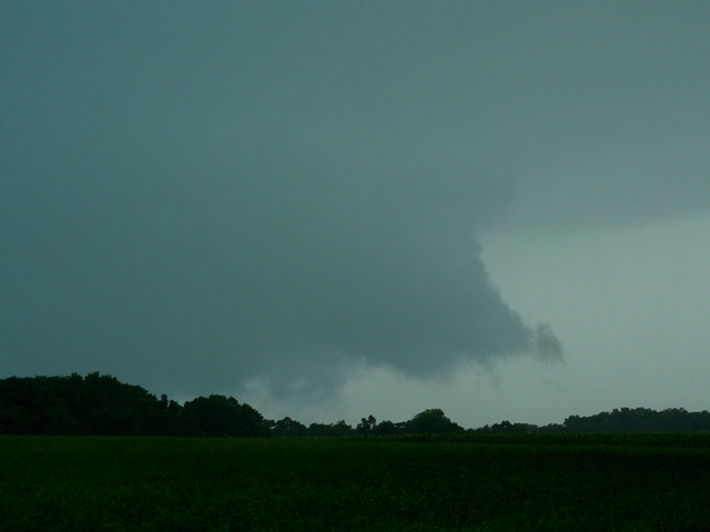 wall-cloud-2