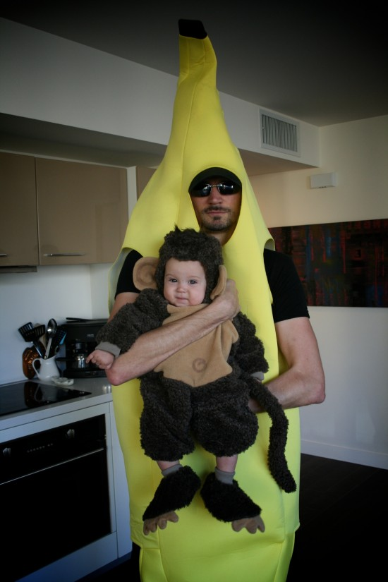 Halloween-jess-and-monkey-finn-550x825.jpg