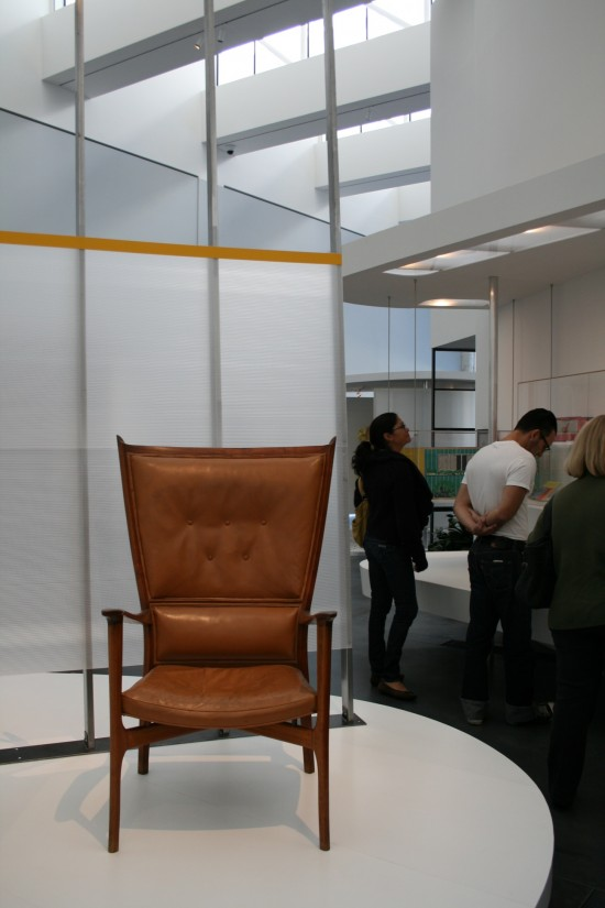 LACMA-Sarinnen-chair-550x825.jpg