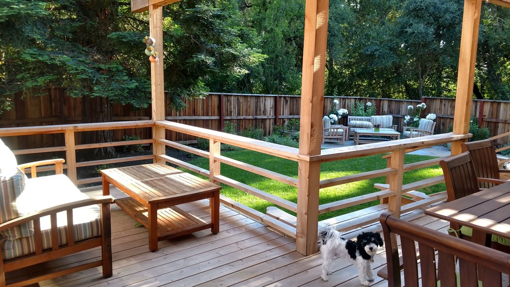 From.the.Ground.Up_07.17_Arbor.Deck.Lawn_Relaxed.Entertaining.jpg
