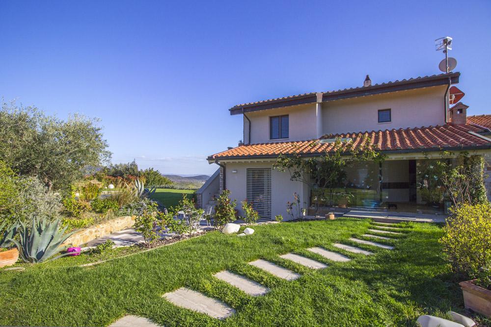 2-For-sale-luxury-villas-Italy-Antonio-Russo-Real-Estate-Villa-Luce-Castiglione-della-Pescaia-Tuscany.jpg