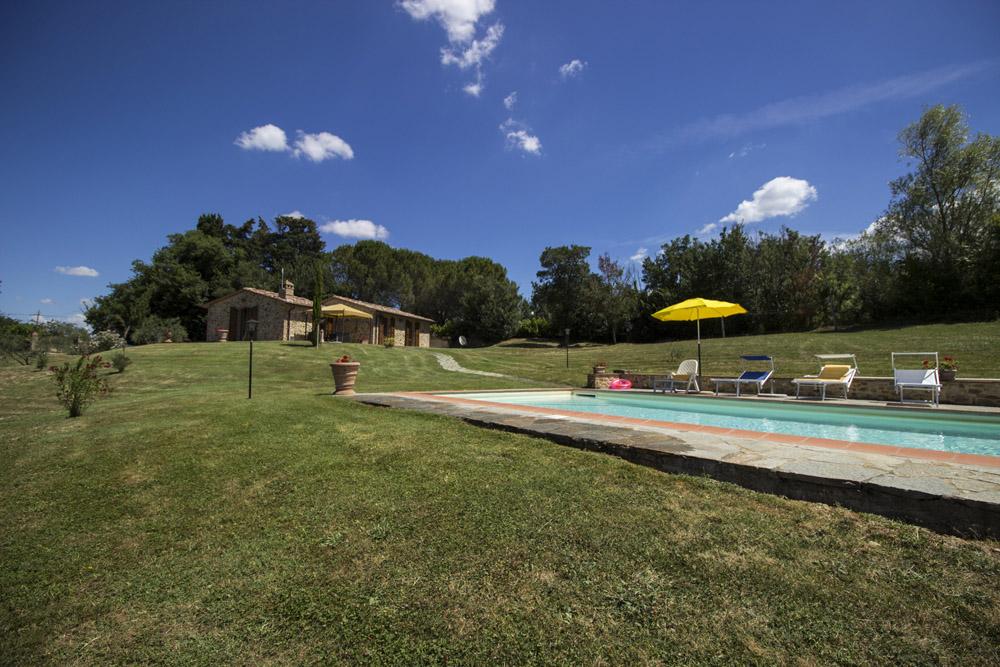 4-La-Ripa-Farm-Radicondoli-Siena-Tuscany-For-sale-working-farms-crops-and-livestock-Antonio-Russo-Real-Estate-Italy.jpg