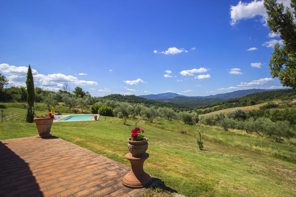 6-La-Ripa-Farm-Radicondoli-Siena-Tuscany-For-sale-working-farms-crops-and-livestock-Antonio-Russo-Real-Estate-Italy.jpg