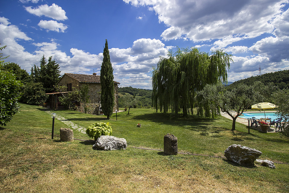 8-La-Ripa-Farm-Radicondoli-Siena-Tuscany-For-sale-working-farms-crops-and-livestock-Antonio-Russo-Real-Estate-Italy.jpg