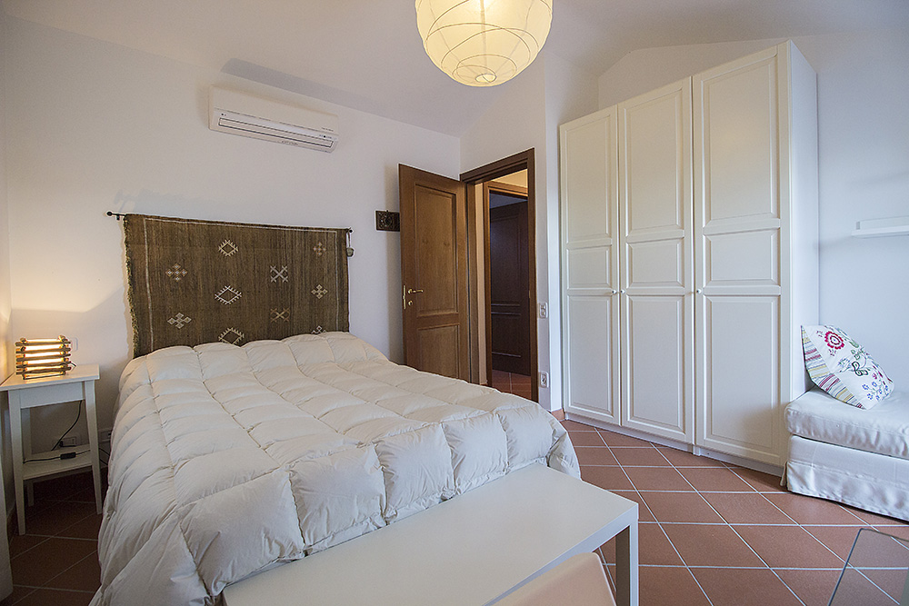 8-For-sale-exclusive-holiday-apartment-Italy-Antonio-Russo-Real-Estate-Stylish-Apartment-Capalbio-Tuscany.jpg