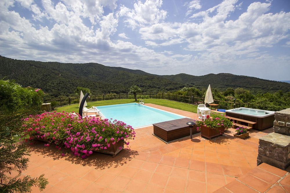 7-For-sale-luxury-villas-Italy-Antonio-Russo-Real-Estate-Villa-Elite-Punta-Ala-Tuscany.jpg