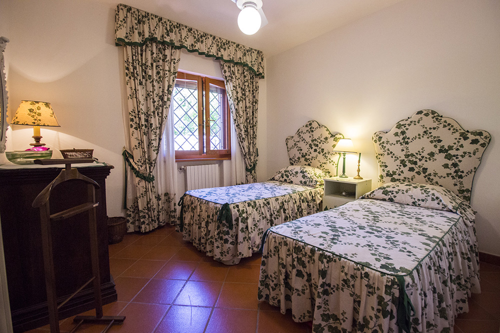 23-For-sale-luxury-villas-Italy-Antonio-Russo-Real-Estate-Villa-Elite-Punta-Ala-Tuscany.jpg