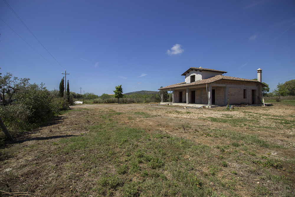 1-Borgo-Carige-Farm-Capalbio-seaside-Tuscany-For-sale-farmhouses-country-homes-in-Italy-Antonio-Russo-Real-Estate.jpg
