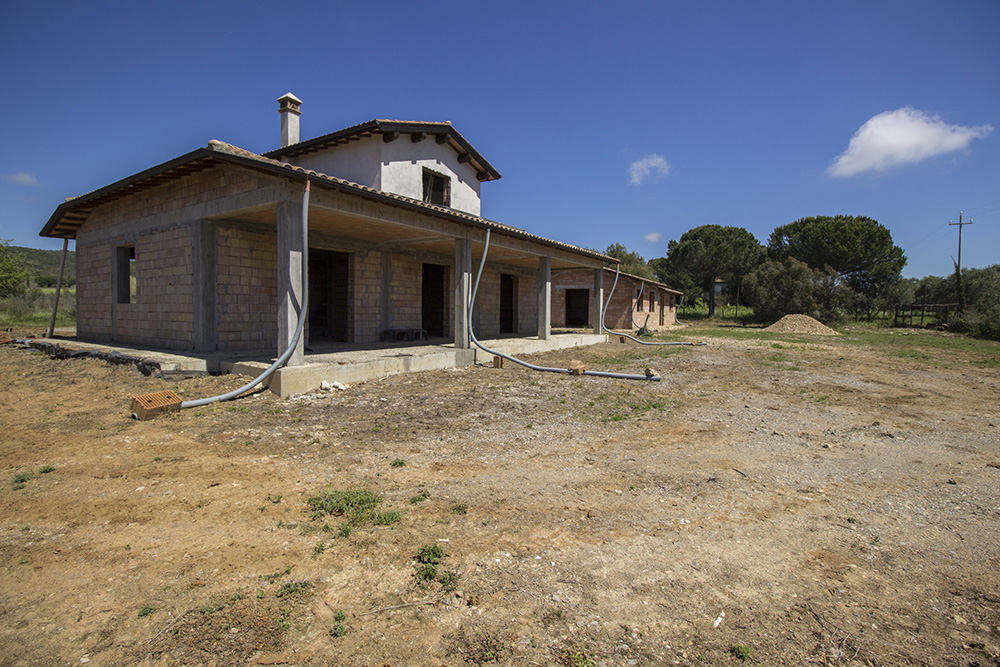 3-Borgo-Carige-Farm-Capalbio-seaside-Tuscany-For-sale-farmhouses-country-homes-in-Italy-Antonio-Russo-Real-Estate.jpg