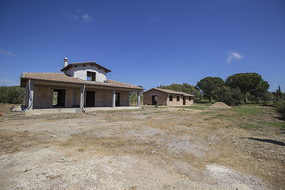6-Borgo-Carige-Farm-Capalbio-seaside-Tuscany-For-sale-farmhouses-country-homes-in-Italy-Antonio-Russo-Real-Estate.jpg