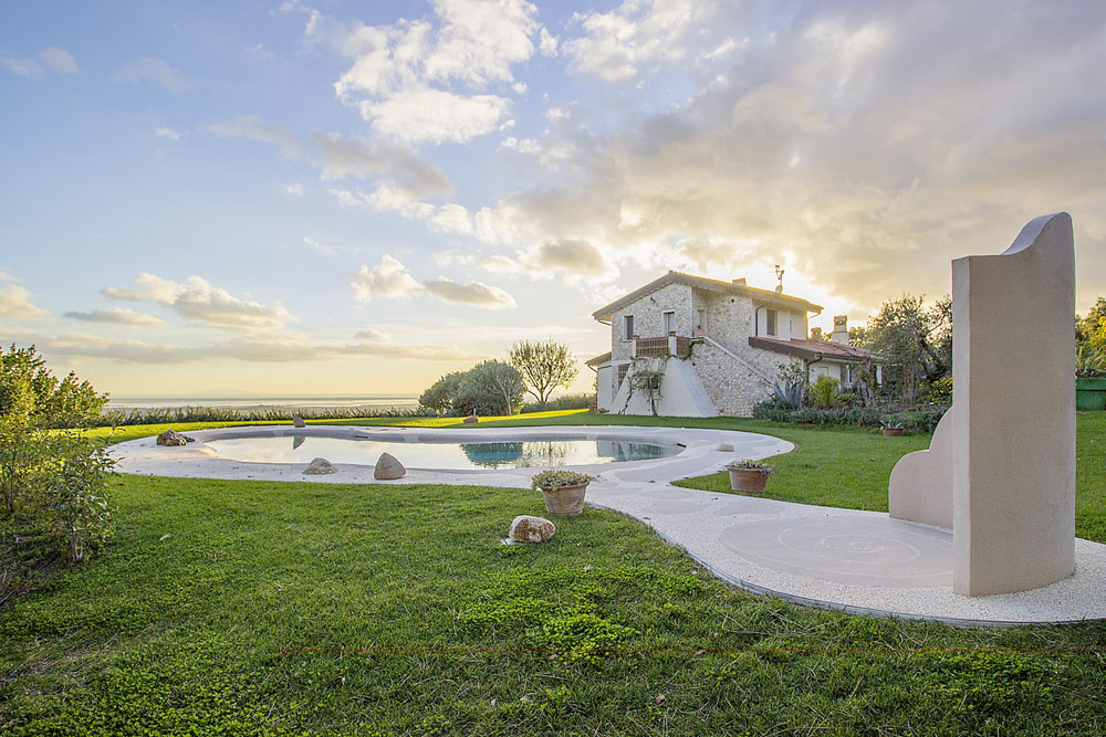 5-NEWS-Villa-Luce-Castiglione-della-Pescaia-Tuscany-Italy-Antonio-Russo-Real-Estate-Luxury-Properties.jpg