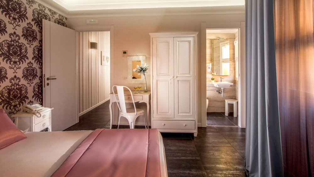 1-AFTER-RESTORATION-B&B-Rome-Visits-Navona-Apartment-Restoration-Project-Antonio-Russo-Luxury-Real-Estate-Italy.jpg