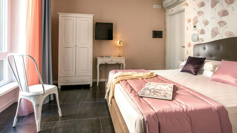 6-AFTER-RESTORATION-B&B-Rome-Visits-Navona-Apartment-Restoration-Project-Antonio-Russo-Luxury-Real-Estate-Italy.jpg