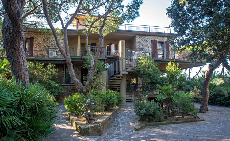 2-TODAY-Villa-Pied-dans-l-Eau-Tuscany-Rebuilding-Project-Antonio-Russo-Luxury-Real-Estate-Italy.jpg