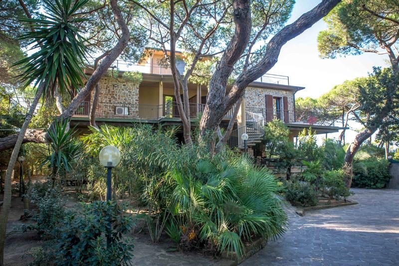 3-antonio-russo-property-villa-pied-dans-l-eau-tuscany.jpg