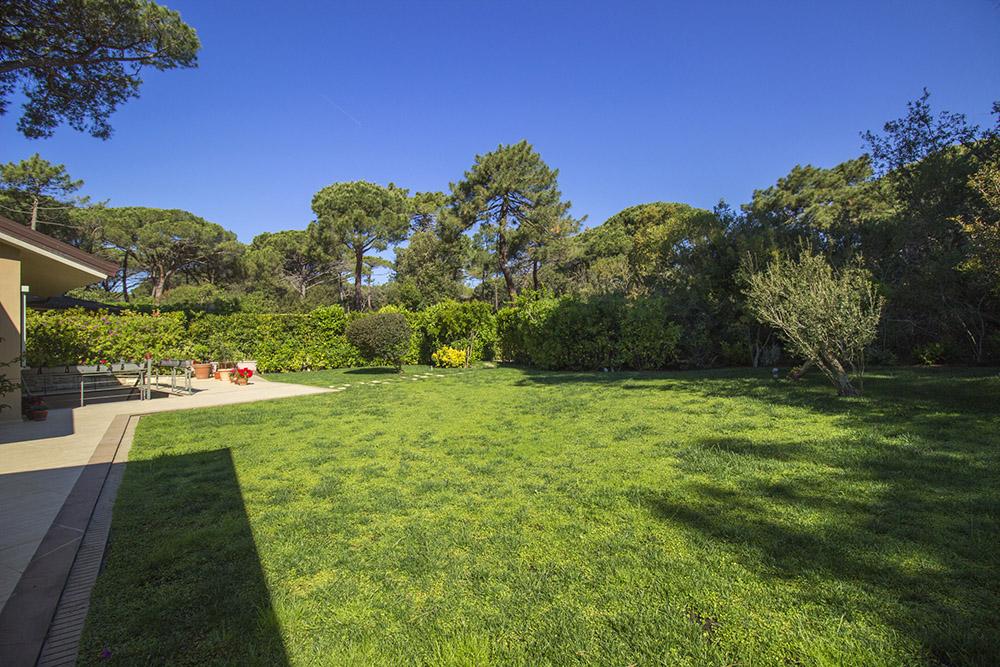 1-For-rent-luxury-villas-Italy-Antonio-Russo-Real-Estate-Villa-Armonia-Castiglione-della-Pescaia-Tuscany.jpg