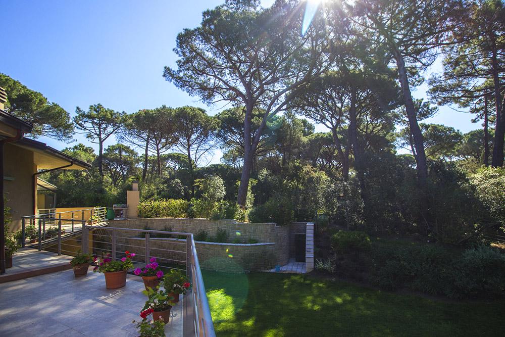 4-For-rent-luxury-villas-Italy-Antonio-Russo-Real-Estate-Villa-Armonia-Castiglione-della-Pescaia-Tuscany.jpg