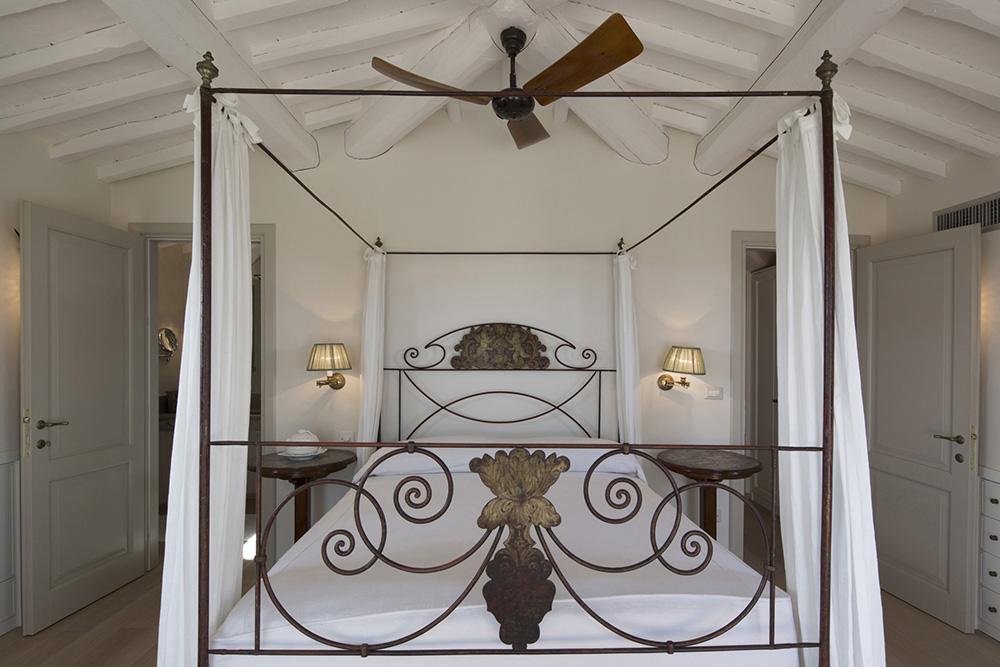 18-For-rent-luxury-villas-Italy-Antonio-Russo-Real-Estate-Villa-Armonia-Castiglione-della-Pescaia-Tuscany.jpg