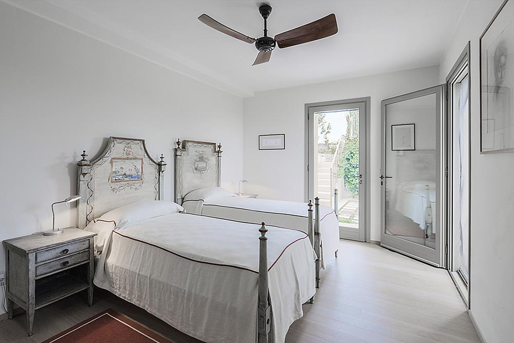 20-For-rent-luxury-villas-Italy-Antonio-Russo-Real-Estate-Villa-Armonia-Castiglione-della-Pescaia-Tuscany.jpg