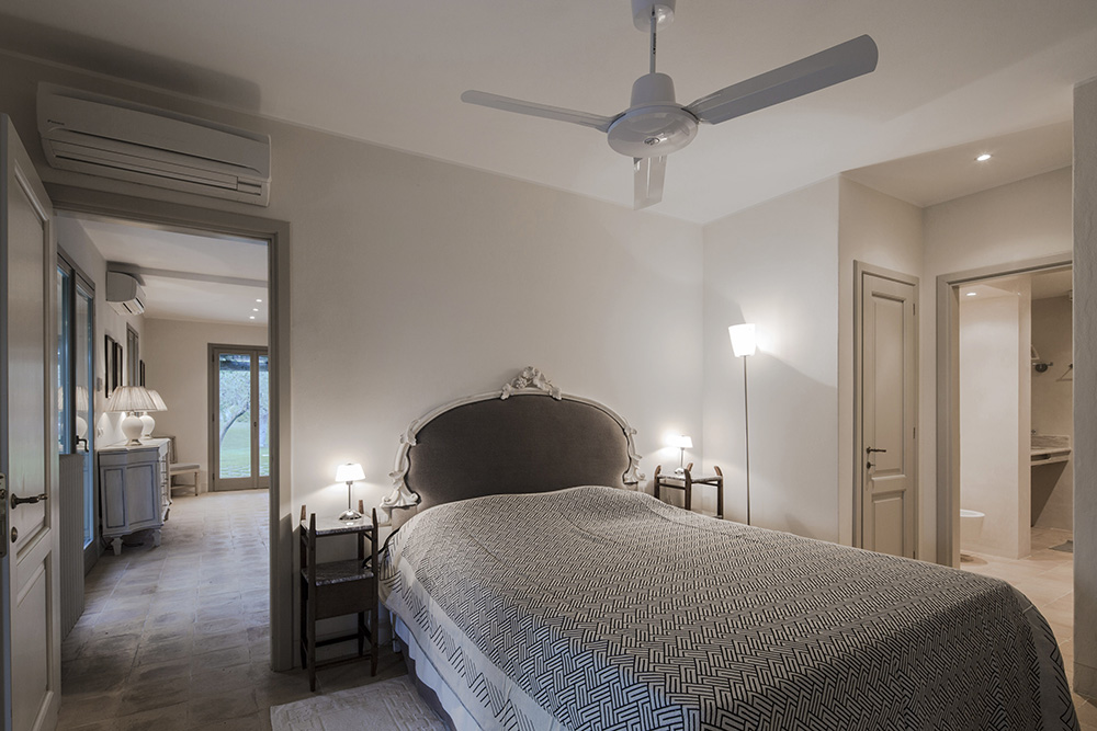 21-For-rent-luxury-villas-Italy-Antonio-Russo-Real-Estate-Villa-Armonia-Castiglione-della-Pescaia-Tuscany.jpg