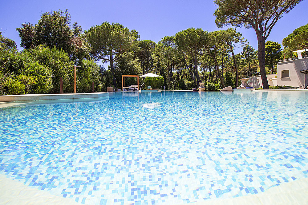 4-For-rent-luxury-villas-Italy-Antonio-Russo-Real-Estate-Villa-Dream-Castiglione-della-Pescaia-Tuscany.jpg