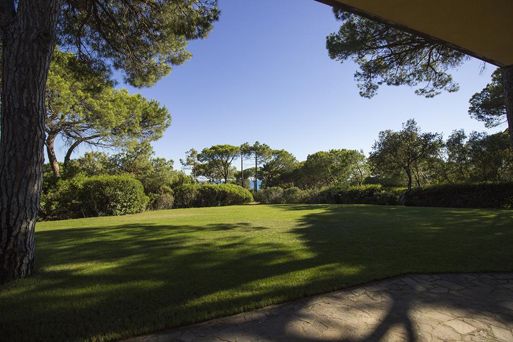 4-For-rent-luxury-villas-Italy-Antonio-Russo-Real-Estate-Villa-Eleganza-Castiglione-della-Pescaia-Tuscany.jpg