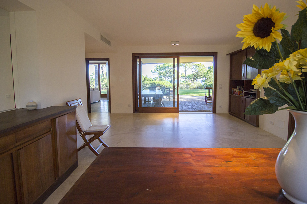 10-For-rent-luxury-villas-Italy-Antonio-Russo-Real-Estate-Villa-Eleganza-Castiglione-della-Pescaia-Tuscany.jpg