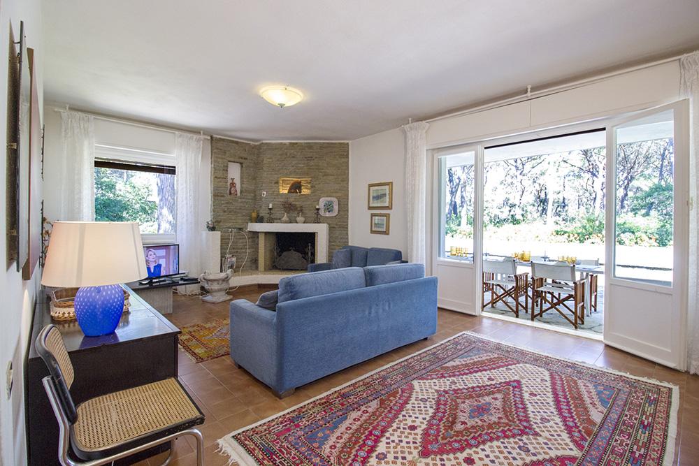 8-For-rent-luxury-villas-Italy-Antonio-Russo-Real-Estate-Villa-Monica-Castiglione-della-Pescaia-Tuscany.jpg