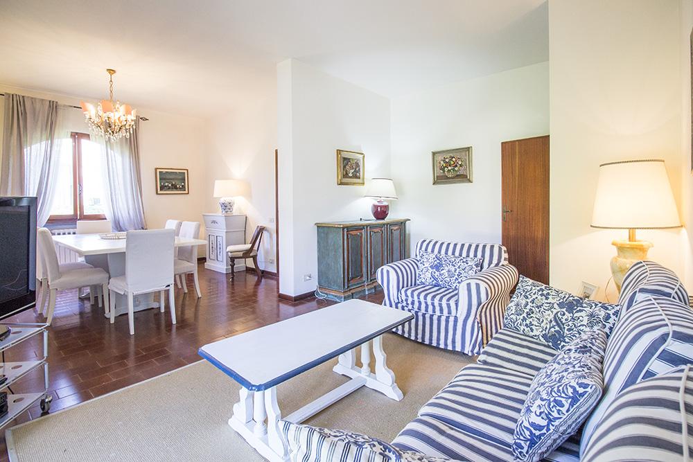 4-For-sale-luxury-villas-Italy-Antonio-Russo-Real-Estate-Villa-Chic-Forte-dei-Marmi-Tuscany.jpg