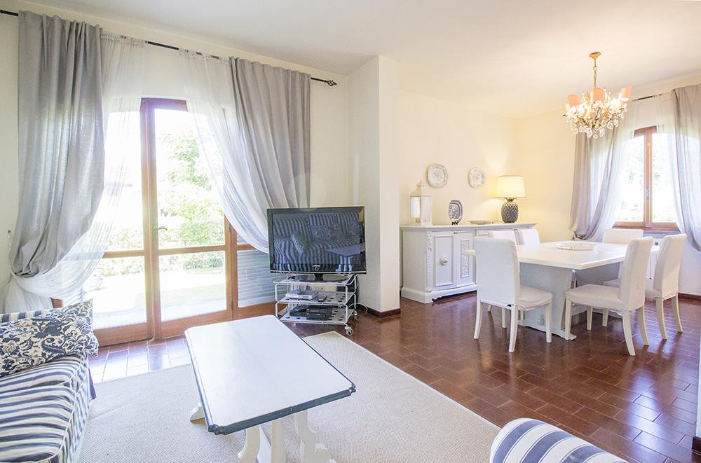 5-For-sale-luxury-villas-Italy-Antonio-Russo-Real-Estate-Villa-Chic-Forte-dei-Marmi-Tuscany.jpg