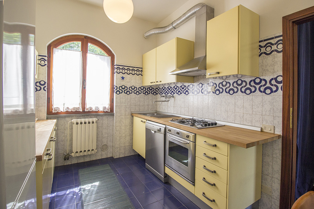 6-For-sale-luxury-villas-Italy-Antonio-Russo-Real-Estate-Villa-Chic-Forte-dei-Marmi-Tuscany.jpg