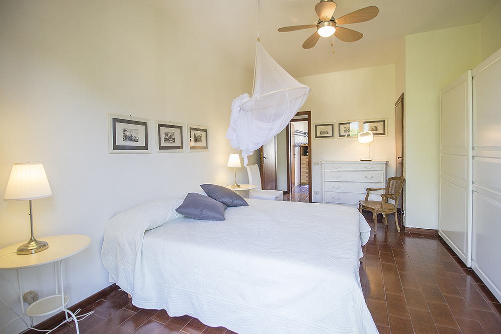 9-For-sale-luxury-villas-Italy-Antonio-Russo-Real-Estate-Villa-Chic-Forte-dei-Marmi-Tuscany.jpg