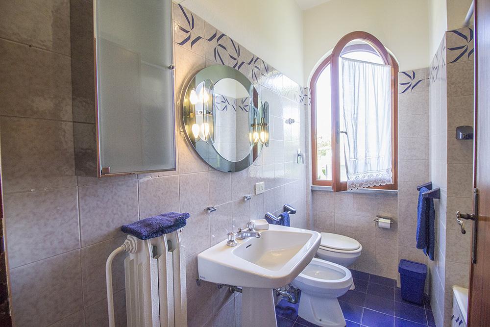 12-For-sale-luxury-villas-Italy-Antonio-Russo-Real-Estate-Villa-Chic-Forte-dei-Marmi-Tuscany.jpg