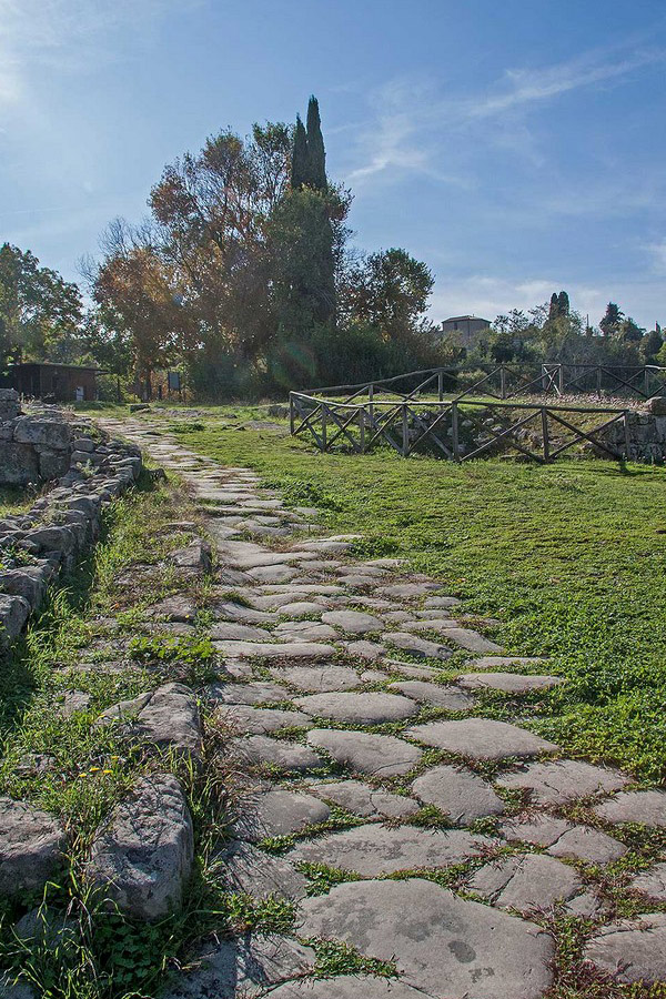 4-tuscan-hamlets-archeological-area-vetulonia-forgotten-etruscan-town-antonio-russo-property-news.jpg