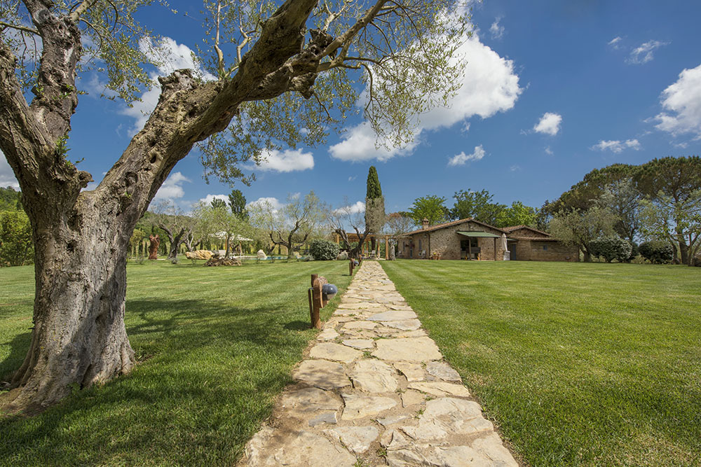 9-For-sale-luxury-holiday-farm-resort-Italy-Antonio-Russo-Real-Estate-L-Oasi-in-Maremma-Tuscany-Accommodation-Facility.jpg
