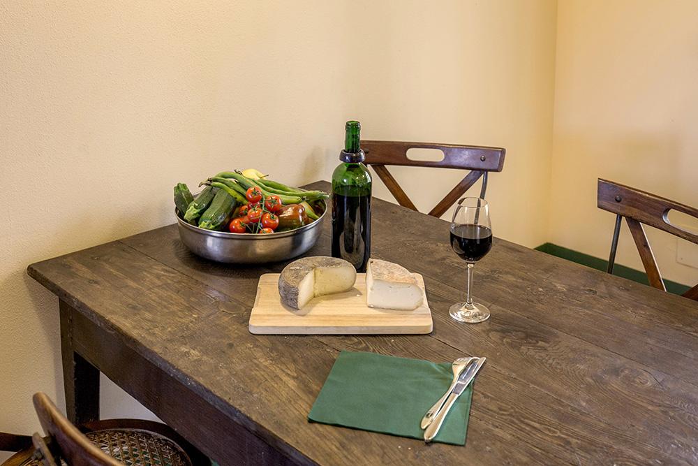 6-Villa-Cerro-Sopra-For-sale-holiday-farm-stay-Italy-Antonio-Russo-Real-Estate-Borgo-L-Incanto-Tuscany-Accommodation-Facility.jpg