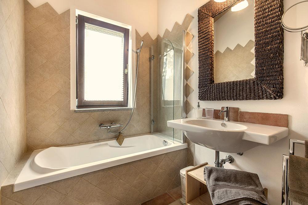10-Villa-Cerro-Sopra-For-sale-holiday-farm-stay-Italy-Antonio-Russo-Real-Estate-Borgo-L-Incanto-Tuscany-Accommodation-Facility.jpg
